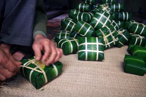 Cách gói bánh chưng truyền thống
