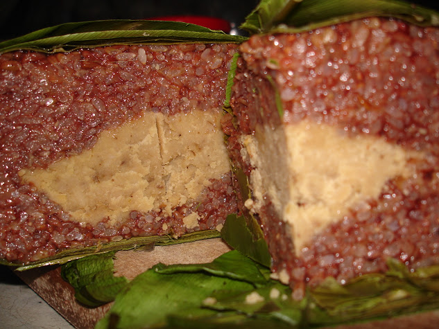 Bánh chưng gạo lứt nếp đỏ ngon