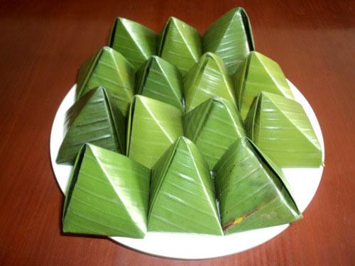 Bánh ít lá gai là đặc sản của đất võ Bình Định