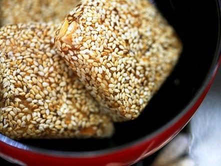 Bánh khô mè - Quảng Nam rất giòn và xốp