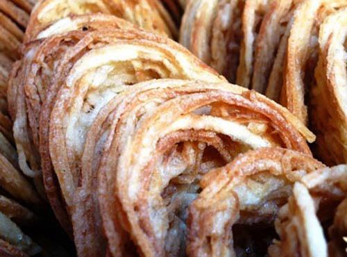 Bánh rế là bánh ngọt được làm bằng khoai lang
