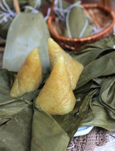 Bánh tro - Bánh ú vị dẻo thơm của nếp hòa quyện