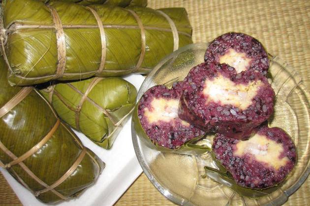 Bánh chưng nếp cẩm ăn có tác dụng chữa viêm loét dạ dày, mát ruột