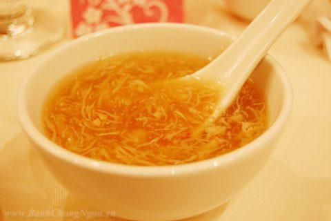 Món súp vi cá trong tiệc cưới Miền Nam