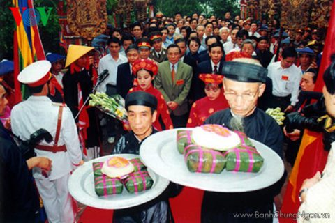 Bánh chưng - bánh dày ngon trên mâm lễ giỗ tổ vua Hùng